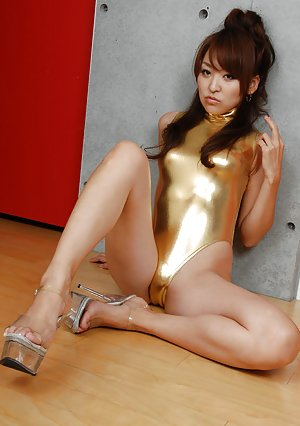 Asian High Heels Porn Pictures
