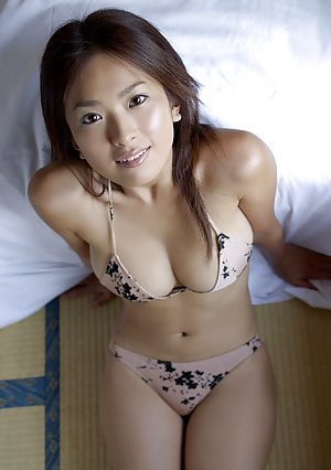 Asian Babe Booty Porn Pictures