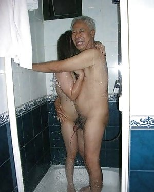 Asian Booty in Shower Porn Pictures