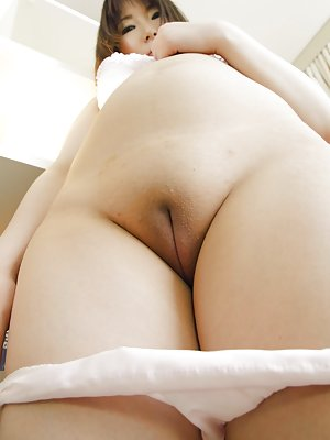Asian Shaved Pussy Porn Pictures