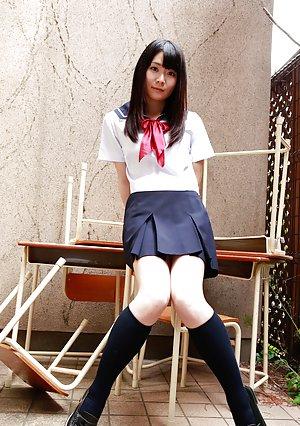 Asian Schoolgirl Booty Porn Pictures